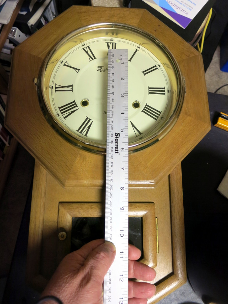 The calculated pendulum length roughly matches the center of the Bob window. Math works!
