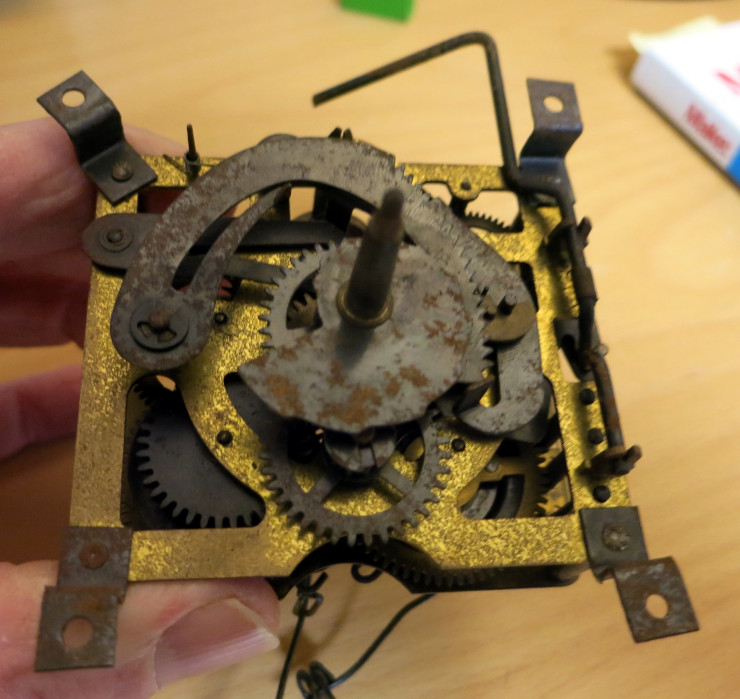 The rusty cuckoo clock movement, before cleaning