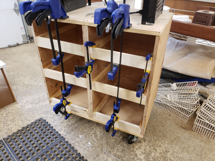 Gluing the horizontal bars in place